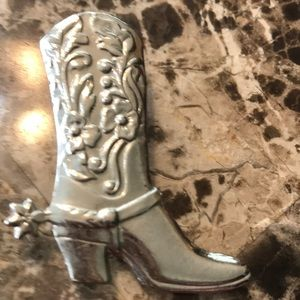 Jewelry - Silver cowboy boot with spurs brooch